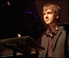 Brit Floyd, Rob Stringer Bio